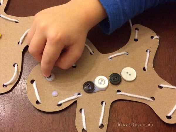 Gingerbread Man Lacing Activity and Craft for Preschoolers